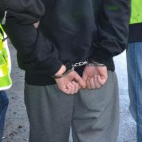 """Małopolscy policjanci zatrzymali jednego ze sprawców oszustwa metodą """"na córkę"""""""